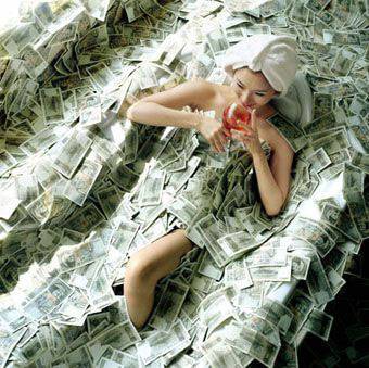 Деньги для всех жителей Крыма и тех, кто проживал или сейчас проживает на оккупированных территориях